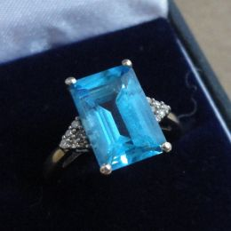 Ring - 9ct gold blue topaz & diamonds