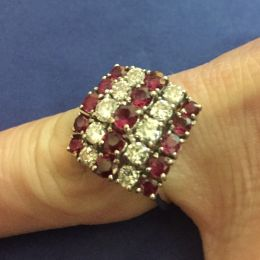 Ring - 18ct white gold, ruby & diamond