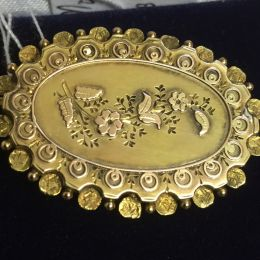Victorian Mourning Brooch - 9ct Gold