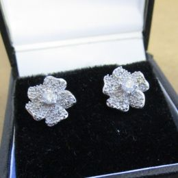 Ear Rings 18 ct Diamonds