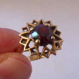 Dress Ring 9ct Gold Garnet