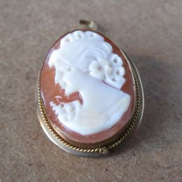 Brooch / Pendant 9ct Gold - Cameo