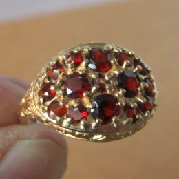 Ring 9ct Gold - Garnet Cluster