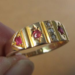 Ring 15ct Gold - Ruby & Diamond
