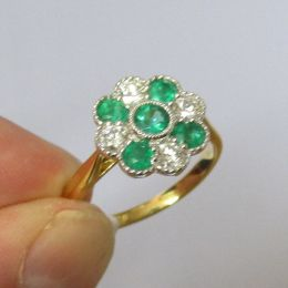Ring 18ct Gold -Emerald & Diamond