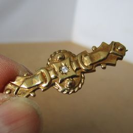 Bar Brooch 9ct Gold - Diamond