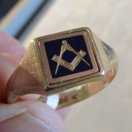 Ring 9ct Gold  - Masonic Swivel