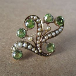 Brooch 15ct Gold - Peridot & Pearl