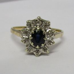 Ring 9ct Gold - Sapphire & Diamonds