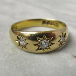 Victorian Ring 18ct Gold - 3 Diamonds