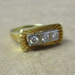 Ring 14ct Gold - 3 Diamonds