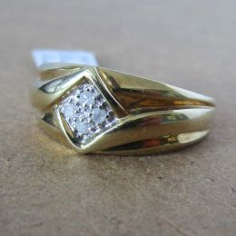 Gents Ring 9ct Gold - Diamond