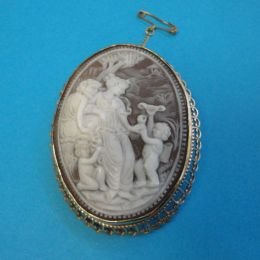 Antique Carved Cameo Brooch - 9ct Mount