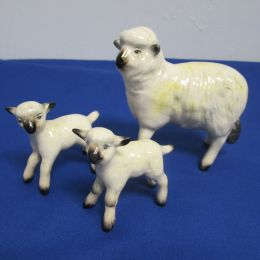 Beswick Sheep and 2 Lambs