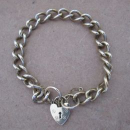 Antique 9ct Bracelet with padlock