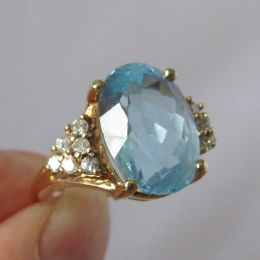 Ring 9ct Gold - Diamond & Blue Topaz
