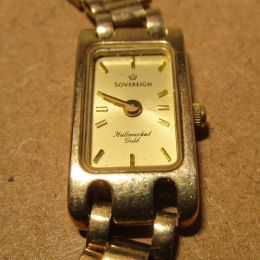 Ladies 9ct Gold Watch & Strap  'Sovereign'