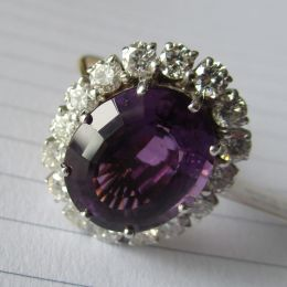 Ring 18ct Gold - Amethyst and Diamond