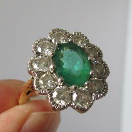 Ring 18ct Gold - Emerald & Diamonds