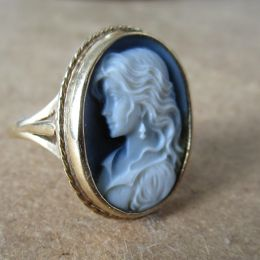 Ring 9ct Gold - Blue Cameo