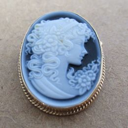 Brooch 9ct Gold - Blue Cameo