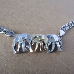 Necklace Silver & 9ct - Elephants