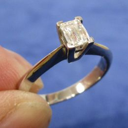 Platinum Ring - Diamond Solitaire