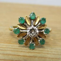 Ring 9ct Gold - Emerald & Diamond