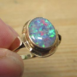 Ring 9ct Gold - Black Opal