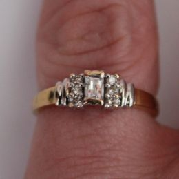 Ring 18ct Gold and Diamonds