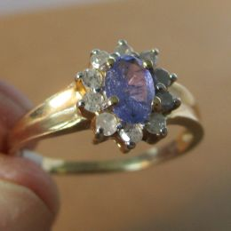 Ring 10ct Gold - Tanzanite and Diamond