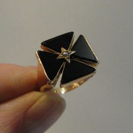 Ring - 9ct Rose Gold - Black Onyx and Pearl