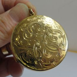 Pendant / Locket  - 9ct Gold